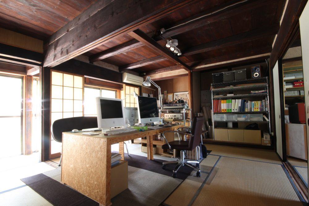 家と生活スタイルに合わせた手作り家具が光る「都会の田舎暮らし」