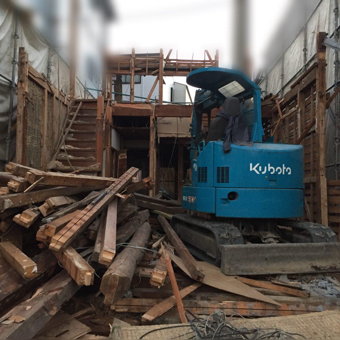 地中障害物が出てきた解体工事と地盤改良工事