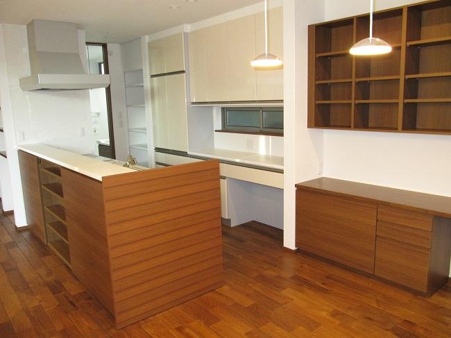 キッチン、お風呂、トイレ、洗面化粧台の紹介